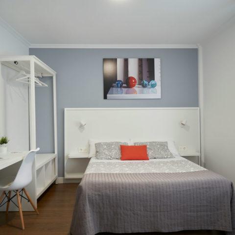 n11-Habitacion-privada-bano-01