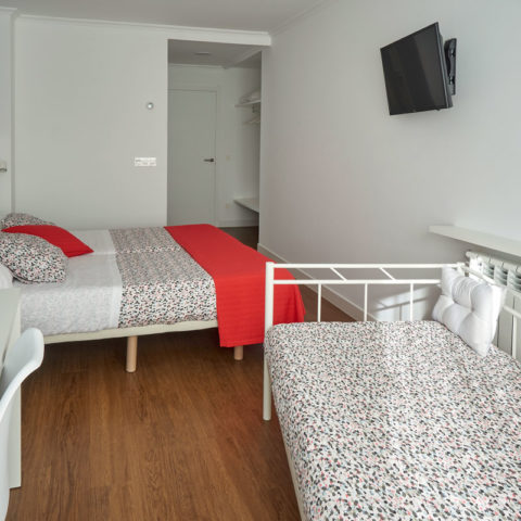 n12-Habitacion-privada-bano-04