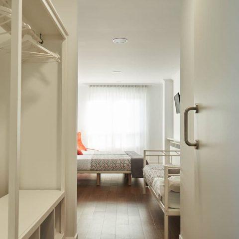 n16-Habitacion-privada-bano-04